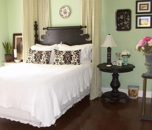 FleaMarketTrixie eclectic bedroom