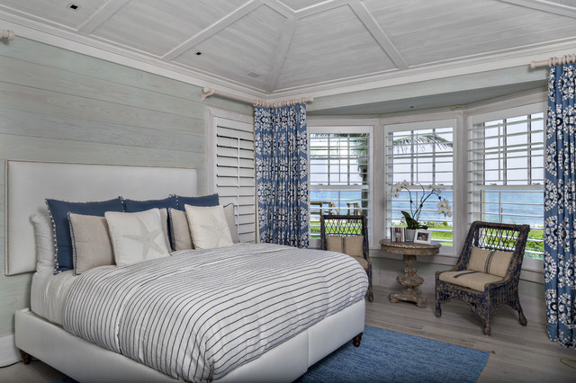 Inspiration For A Beach Style Bedroom Remodel In Miami With Gray Walls