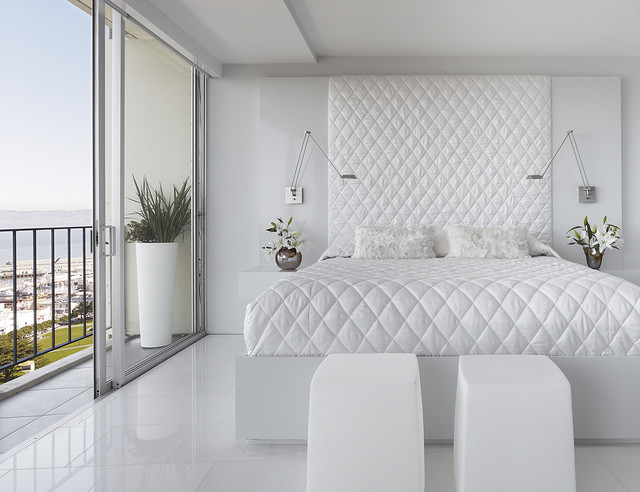 modern bedroom by Mark English Architects, AIA