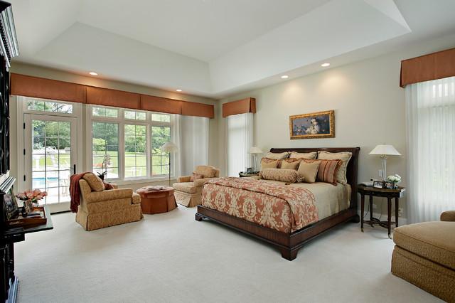 Bedroom - traditional carpeted bedroom idea in Denver