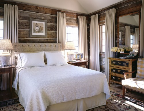 Reclaimed Wood Bedroom Walls. Stunning Contrast With The Cream And White  Neutral Decor!
