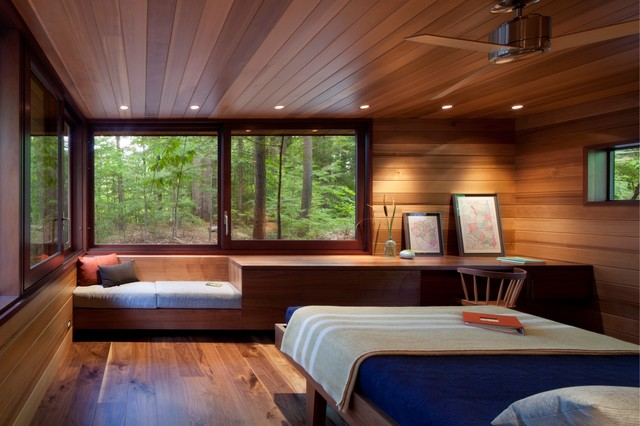 Frank Lloyd Wright Inspired Lakeside Home Modern Bedroom