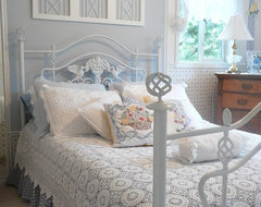 Frenchflair traditional-bedroom