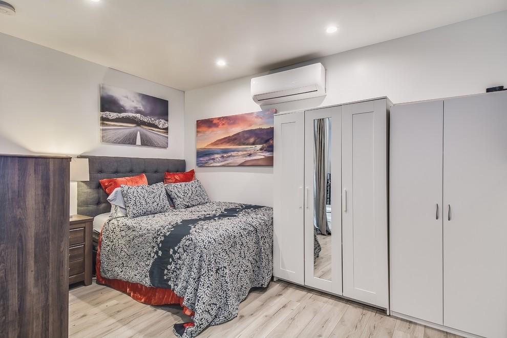 Garage conversion to apartment - Bedroom - Bedroom - Los ...