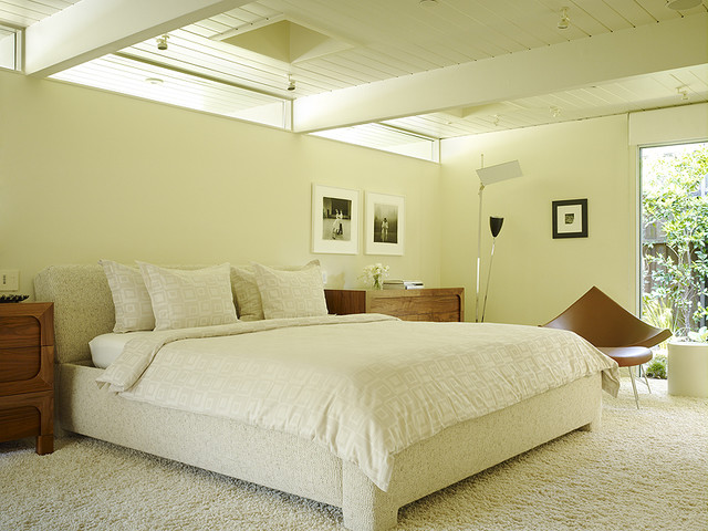 contemporary bedroom by Gary Hutton