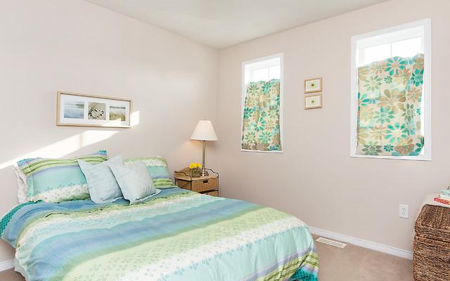 Gaydon Way, Brantford traditional-bedroom