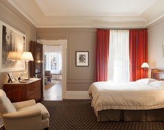Gentleman's Pied-A-Terre traditional-bedroom