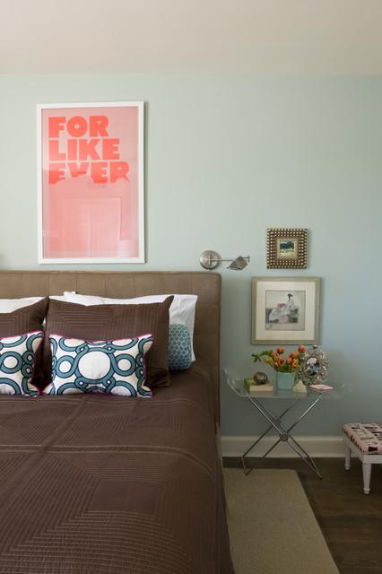 Bedroom - transitional dark wood floor bedroom idea in DC Metro with blue walls