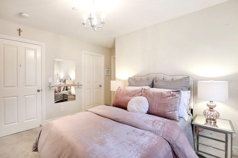 Bedroom - small shabby-chic style guest carpeted bedroom idea in Other with beige walls