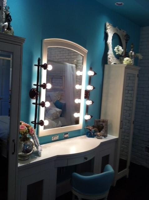 Girly Vintage Teen Bedroom