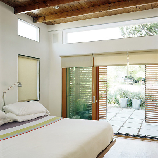 Green Idea: A Zen Inspired Bedroom | Apartment Therapy Re Nest Bedroom