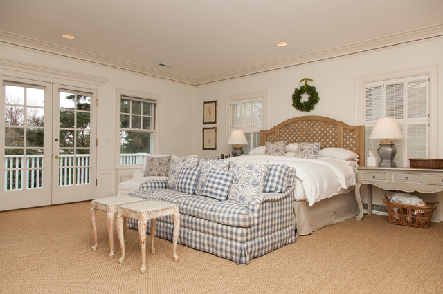 inspiration for a timeless carpeted bedroom remodel in portland with beige walls