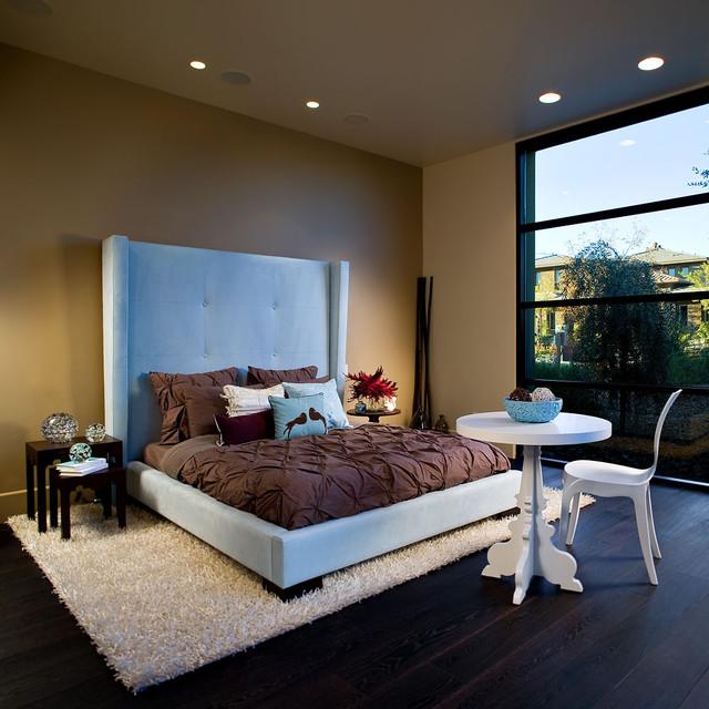 Guest bedroom contemporary-bedroom