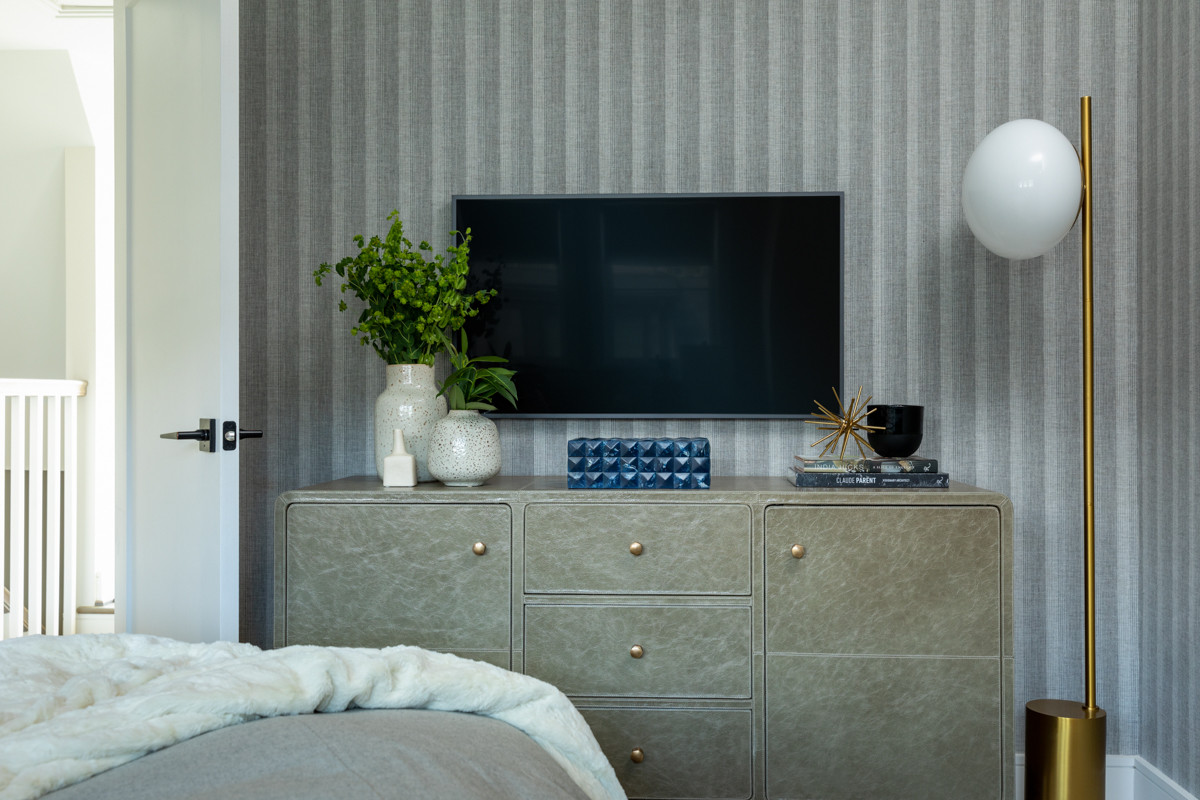 75 Beautiful Mid-Century Modern Wallpaper Bedroom Pictures & Ideas -  November, 2020 | Houzz