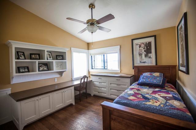 Guest bedroom multi purpose sacramento by timberwood for Timberwood custom kitchens