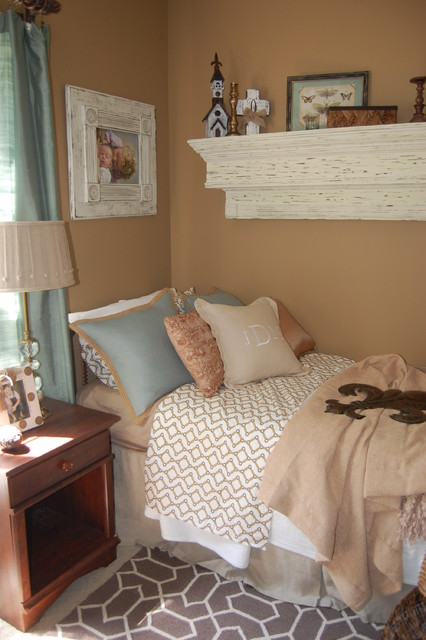 Guest bedroom southern shabbychic charm for Southern style bedroom