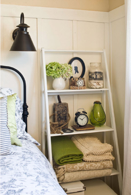 Guest Bedroom with Shared Office