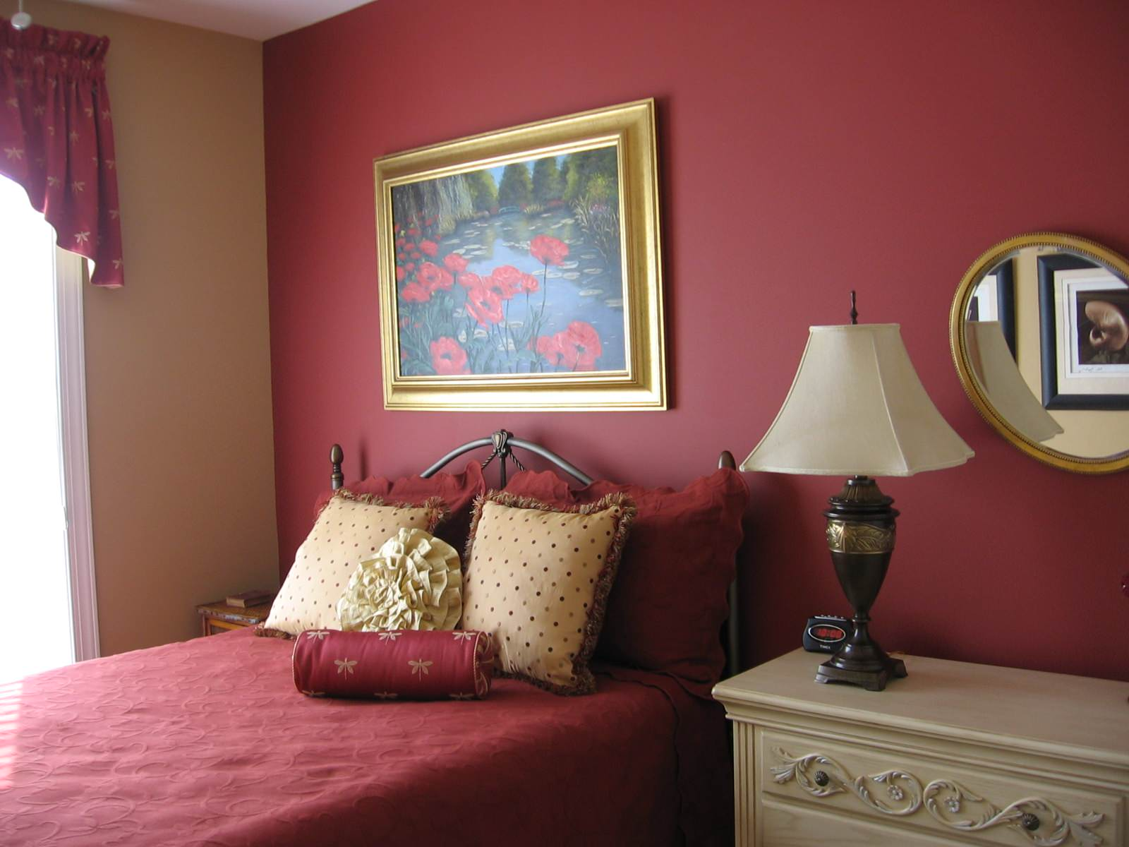 75 Beautiful Traditional Bedroom With Red Walls Pictures Ideas March 2021 Houzz