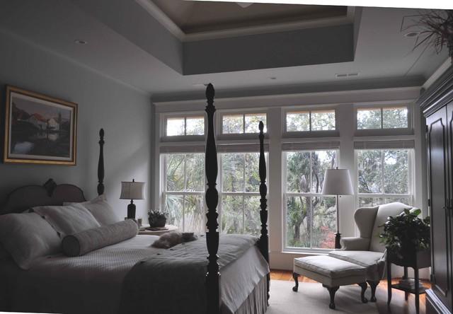 Guida Residence traditional-bedroom