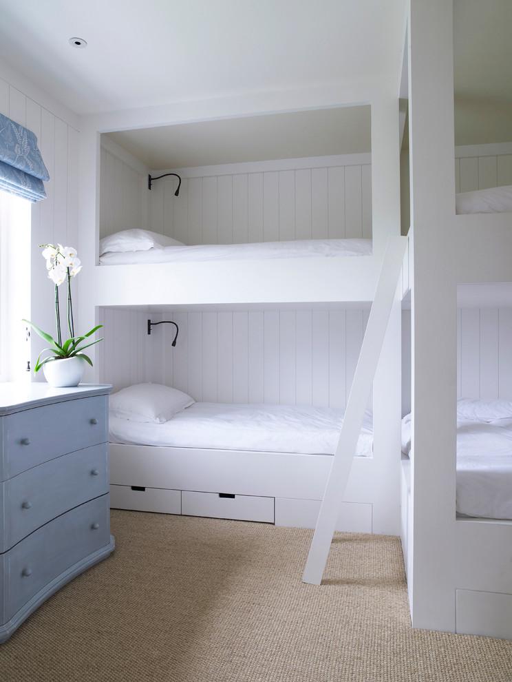 Bedroom - traditional bedroom idea in London