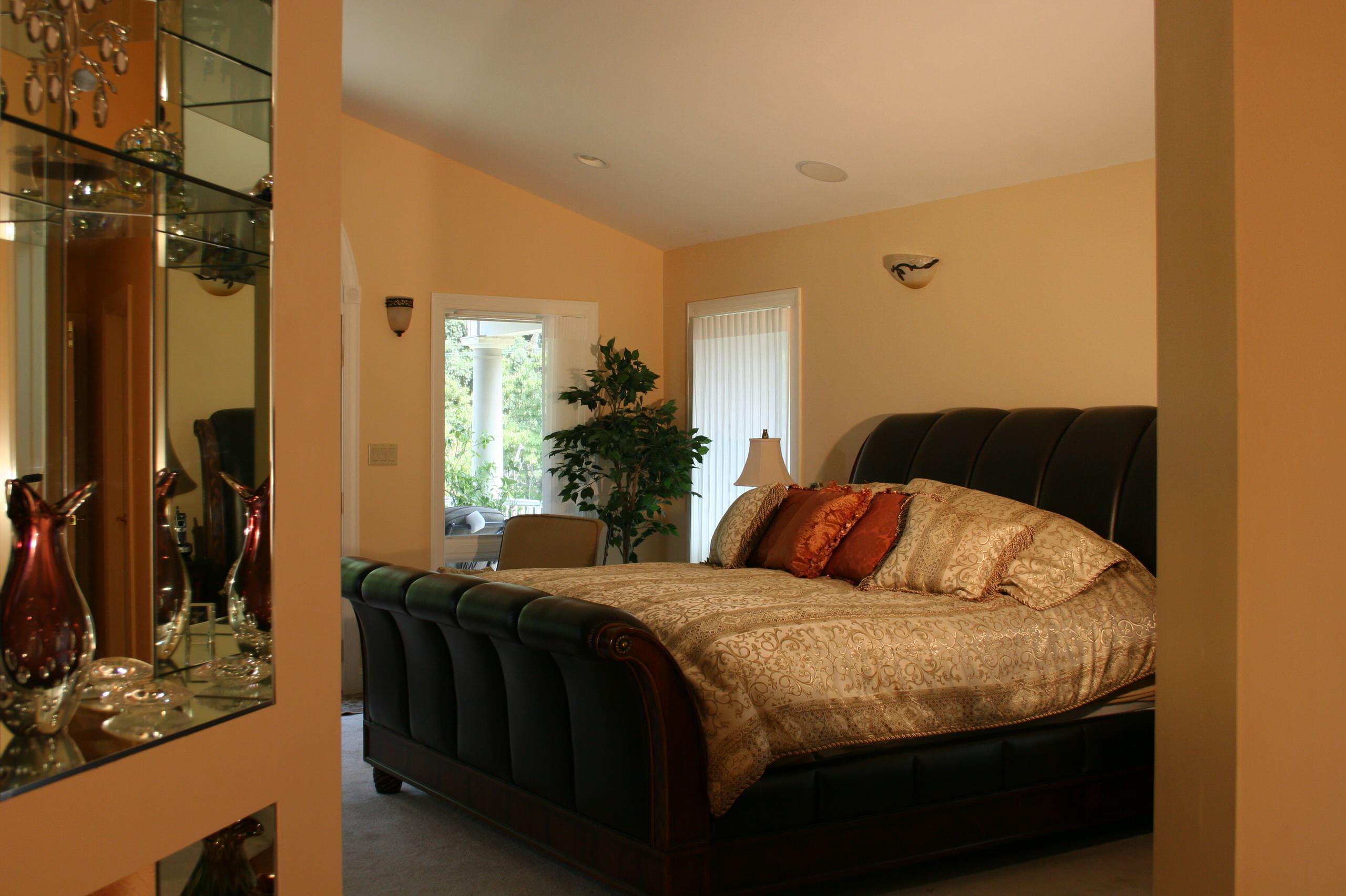 Hampton Master Bed Room Suite
