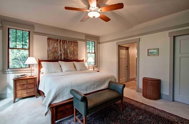 Heartz traditional-bedroom