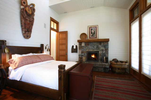 Henry Island traditional bedroom