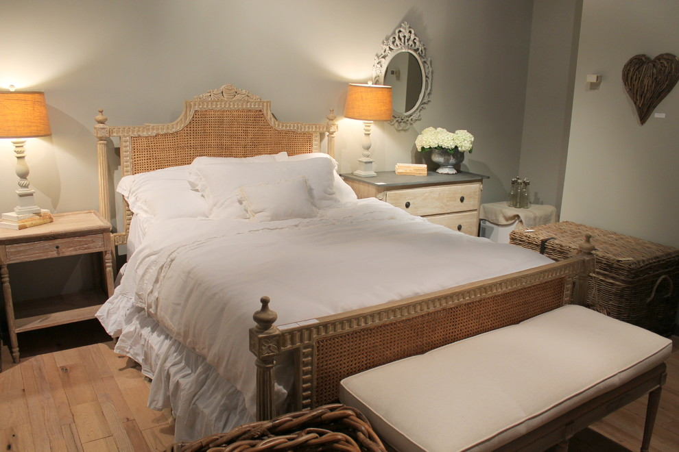 high point - shabby-chic style - bedroom - miami -