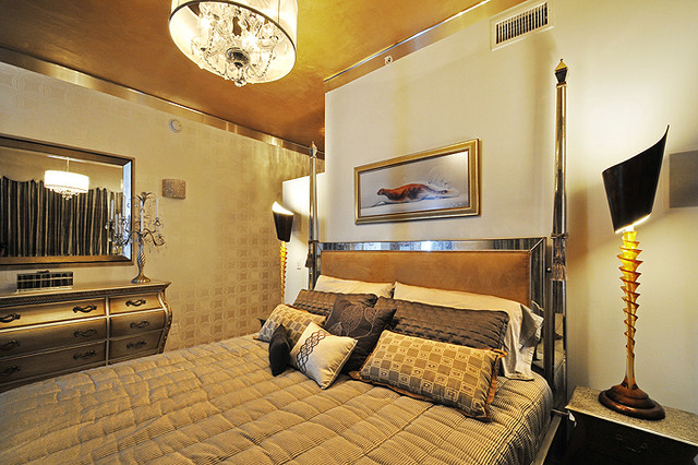 Hollywood Highrise traditional-bedroom