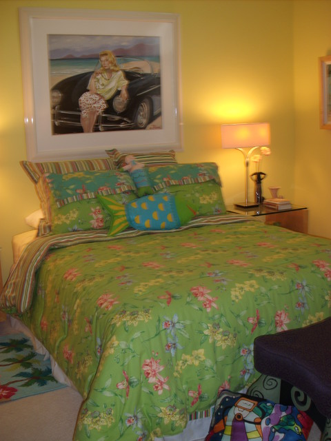 Home in Naples, Florida tropical-bedroom