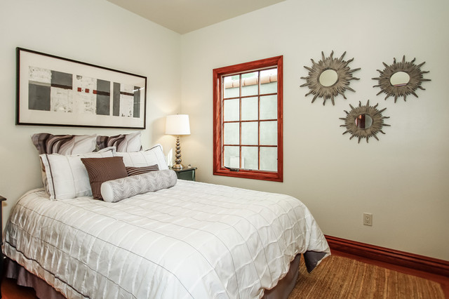 Home Staging traditional-bedroom