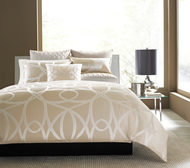 Hotel collection oriel bedding collection contemporary for Hotel style comforter