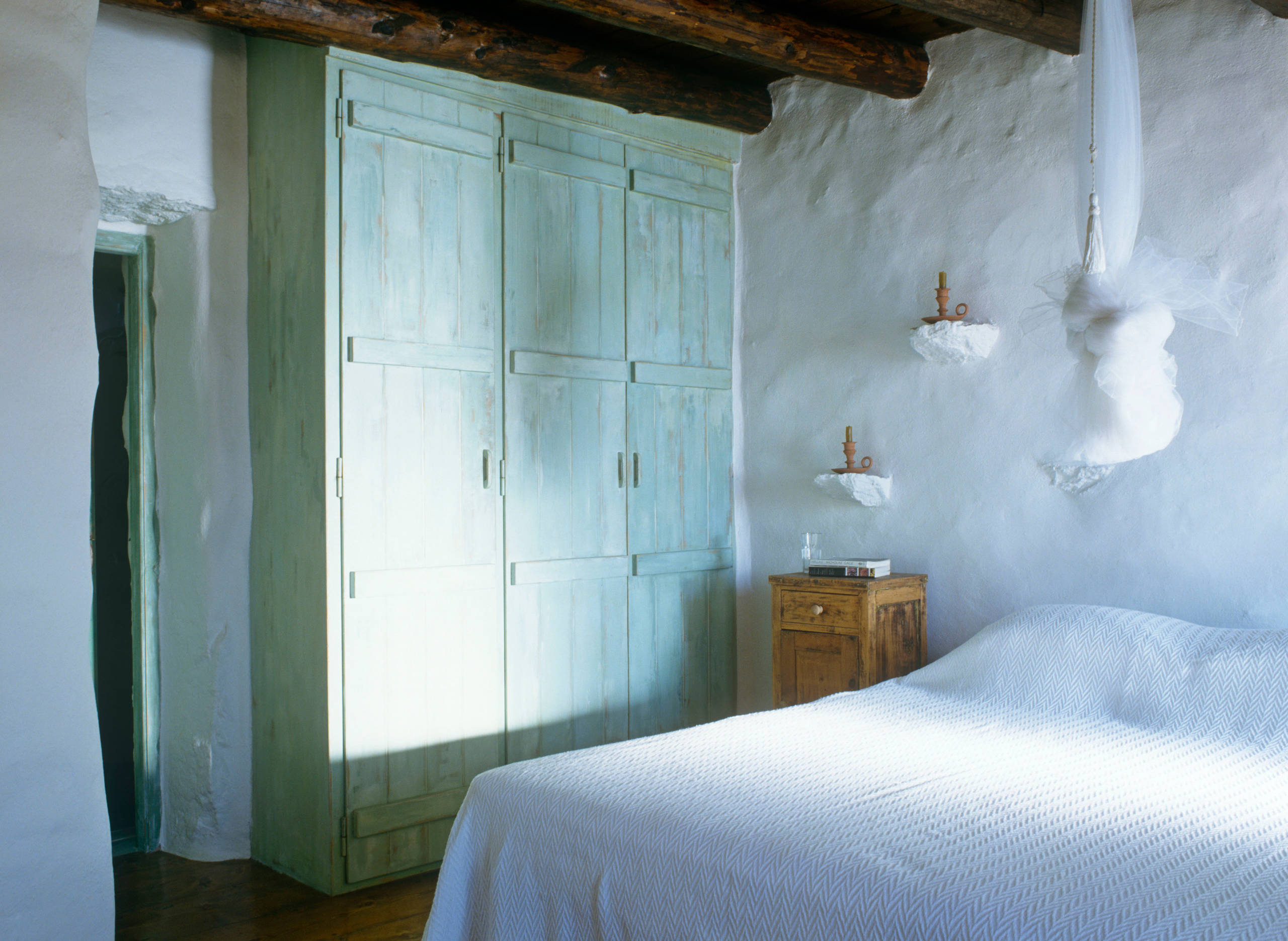 75 Beautiful Mediterranean Blue Bedroom Pictures Ideas September 2020 Houzz
