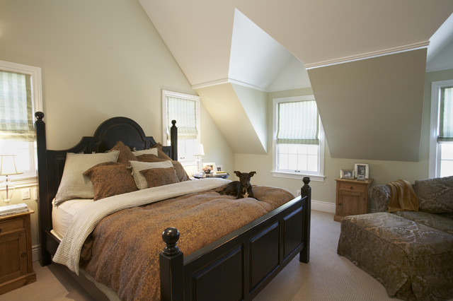 House in the Hamptons traditional-bedroom
