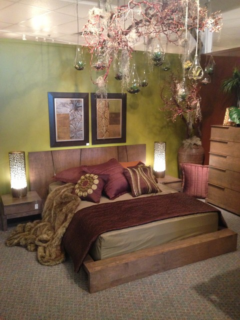 House of Bedrooms Showroom: Huppe Silk \