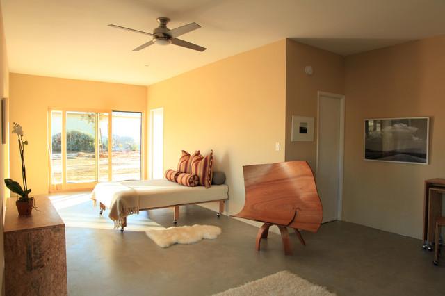 House Port Desert Hot Springs contemporary-bedroom