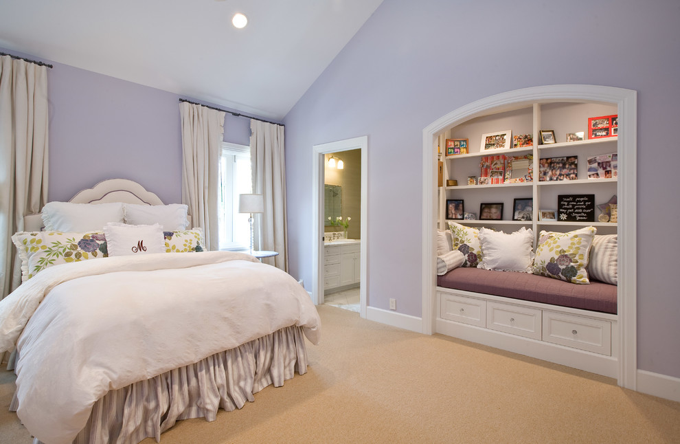 Mid-sized elegant guest carpeted bedroom photo in Houston with purple walls and no fireplace