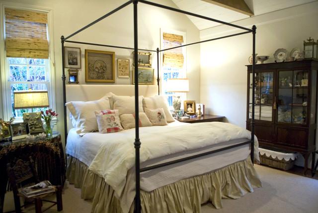 Houzz Sandra and Ken Praterkatherine robertson photography_100.jpg traditional-bedroom