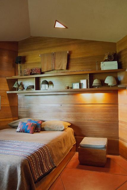 Modern Bedroom by Adrienne DeRosa
