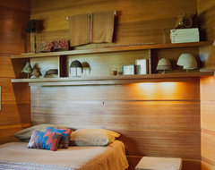 Houzz Tour: An Architectural Relic Thrives in the Heartland of Ohio modern-bedroom