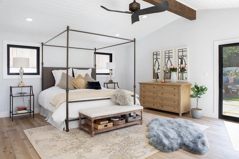 Bedroom - cottage bedroom idea