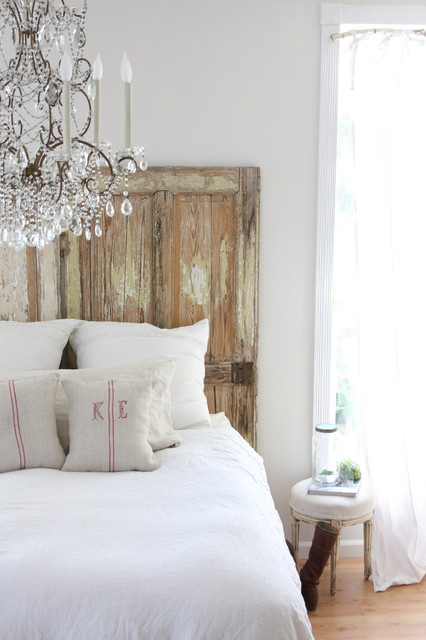 http://dreamywhites.blogspot.com/ eclectic-bedroom