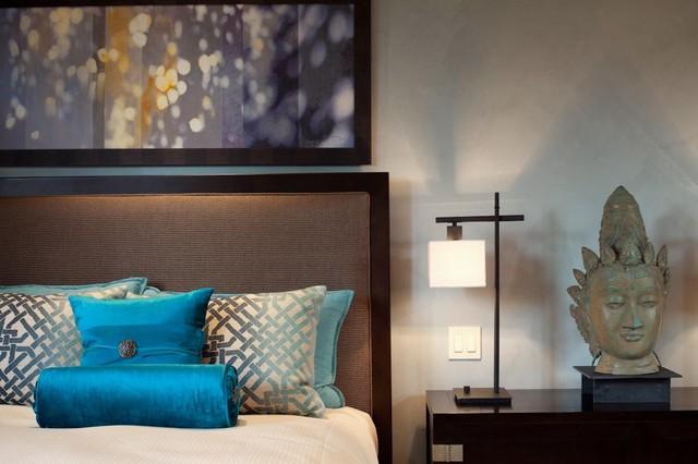 Hualalai Earthy Haven modern-bedroom