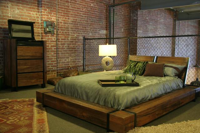 Industrial Chic Wood Platform Bed Schlafzimmer