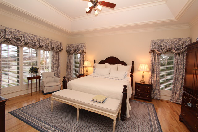 Interior Makeovers by Annie OCallaghan traditional-bedroom