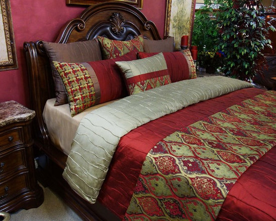 Bedding 2013 - Regal Merlot and Olive resersible Duvet Cover complimented by rich chenille print and mini accent print. Decorative foot blanket included.