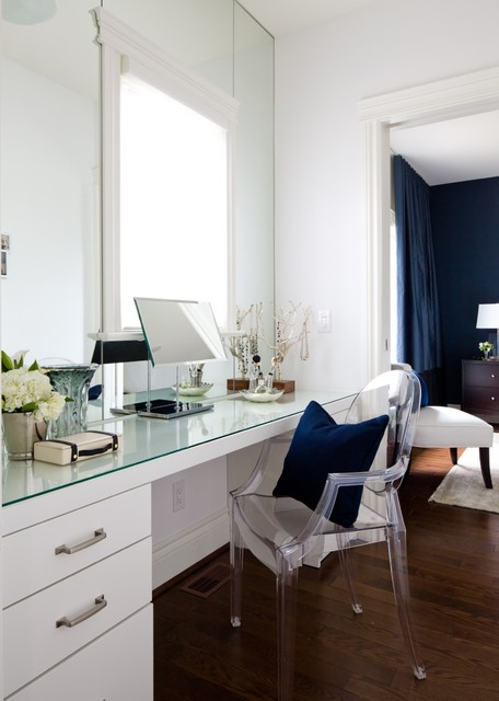 Jane Lockhart bedroom with Dark Navy walls transitional-bedroom