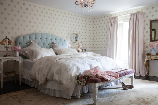 Jessica simpson home shabby chic style bedroom los - Dormitorio shabby chic ...