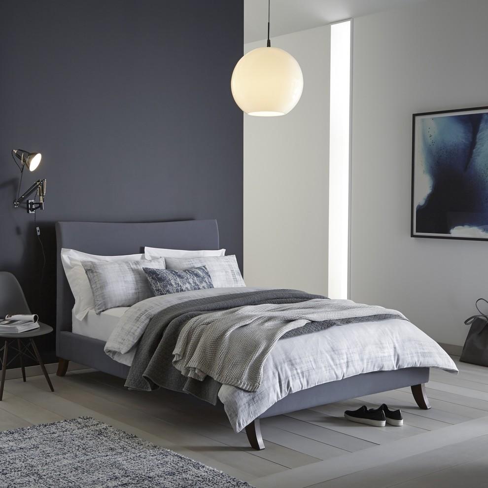 Foto de dormitorio gris y blanco nórdico