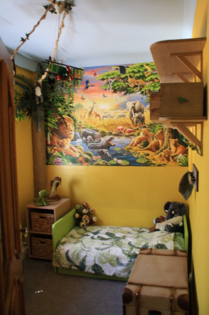 Jungle theme childrens playroom bedroom eclectic for Jungle themed playroom